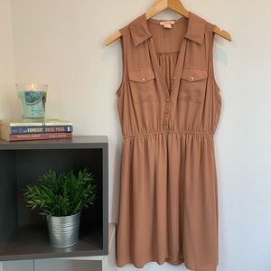 Dresses & Skirts - Adorable coffee-colored dress